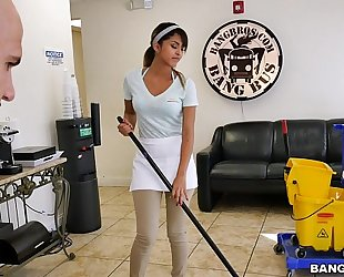Bangbros - the fresh cleaning white lady swallows a load!