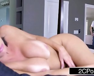 Sexy milf veronica avluv can't live without large shlong