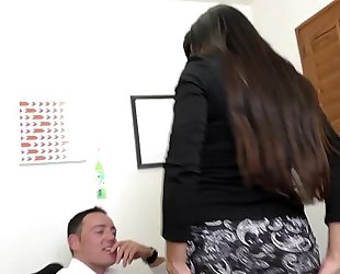 Milf boss mercedes uses her hawt arse to entice employee hd