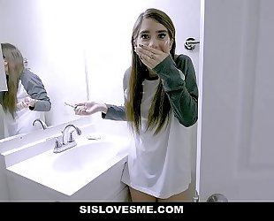 Sislovesme - sexy stepsis copulates and unintentionally bites stepbros shlong