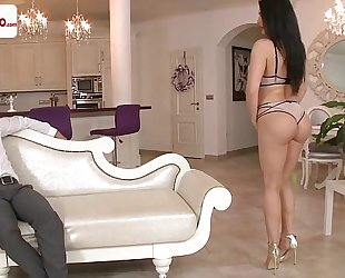 Aletta ocean born to be a diva