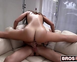 Big arse kelsi monroe begins swinging on a large penis
